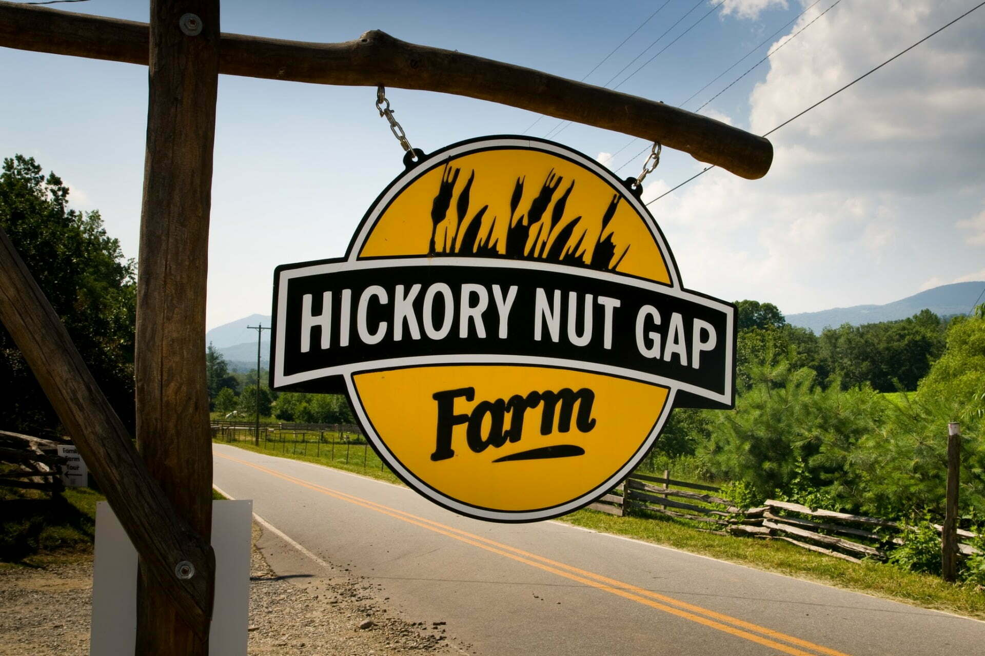 HNG farm sign too